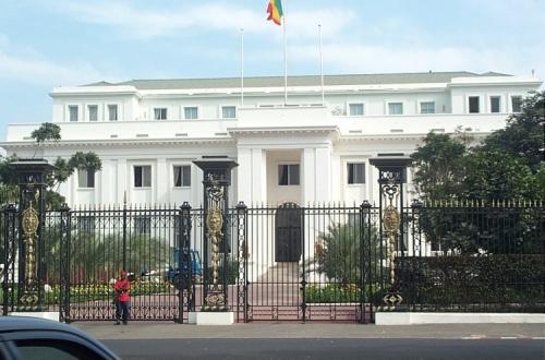 Au Palais, devant Macky Sall, comme à la borne fontaine