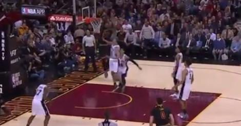 NBA: Regardez ce magnifique dunk de LeBron James !