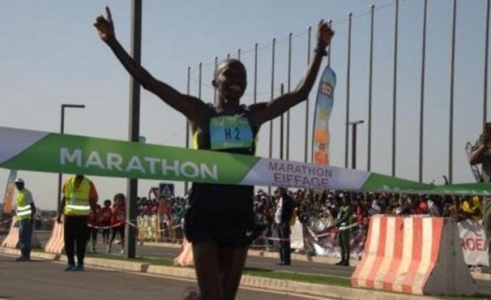 Kassaw Belay (Ethiopie) vainqueur du marathon de Dakar en 2h18mn21s