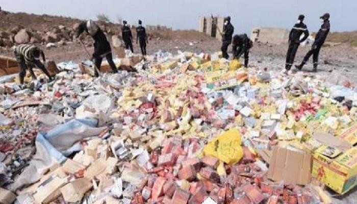 Près de deux tonnes de faux médicaments et piles électriques saisies à Thiaroye et Rosso