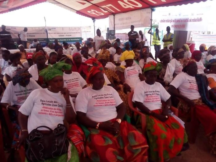 Le FONGIP était présent au Centre d'Intervention d'Action( Aid Sénégal) sis à Foundiougne pour une participation à la foire locale des produits agricoles avec Monsieur Bassirou NGOM,Chef de zone Kaolack,Kaffrine,Fatick