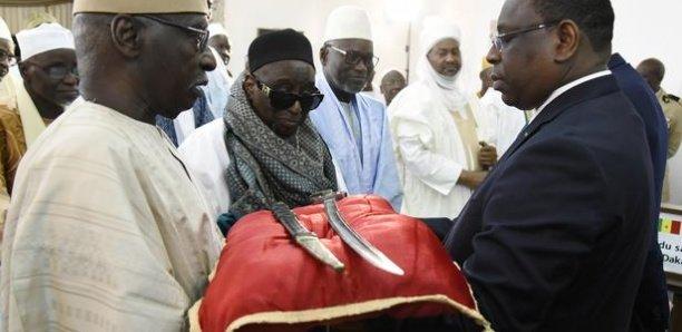 La France officialise la restitution d'objets d'art au Sénégal et au Bénin