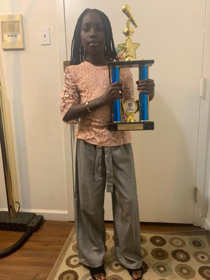 Éducation : Le Sénégal honoré aux Usa. Ndèye Fatou Bitèye, de père et de mère d'origine sénégalaise, remporte le trophée de « USA SLAM NATIONAL POESY 2020 »