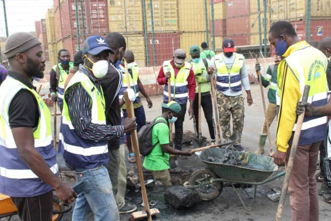 Opérations de désencombrement de la plateforme de distribution du Port autonome de Dakar