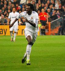 Tottenham : Adebayor vers le Besiktas ?