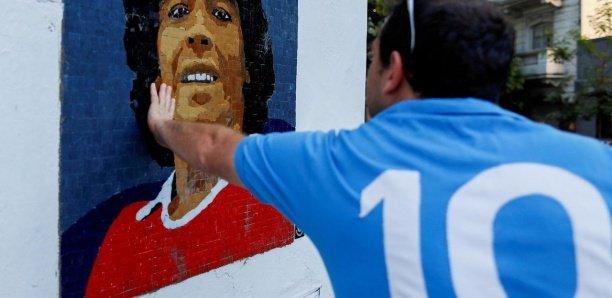 Mort de Diego Maradona : l'avocat d'une infirmière accuse les médecins de l'avoir tué