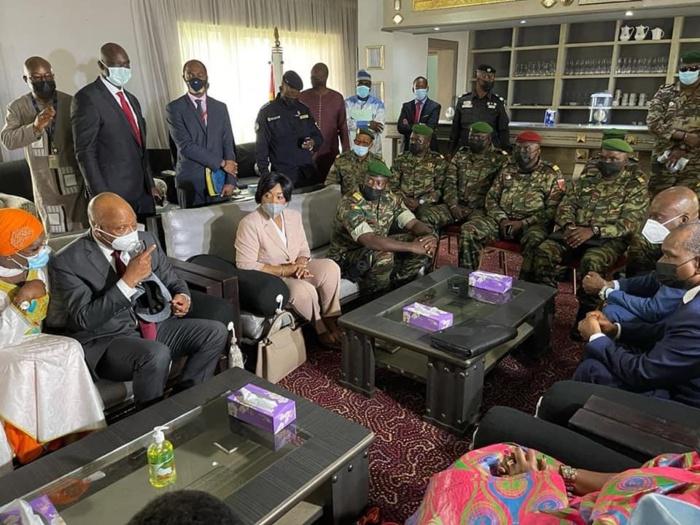 Guinée : La délégation de la Cedeao a rencontré Alpha Condé.