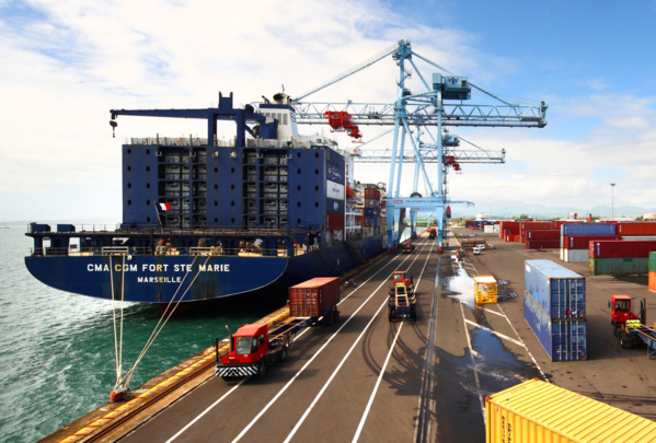 Le Port en 2012 et le Port en 2017