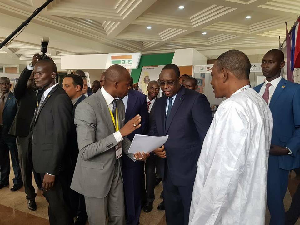 quelques images illustratives de la visite du President Macky SALL au stand du FONGIP