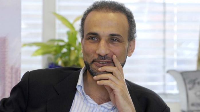 """VIOL / """"Tu n'as pas aimé... Je suis désolé"""" : les SMS embarrassants de Tariq Ramadan"""
