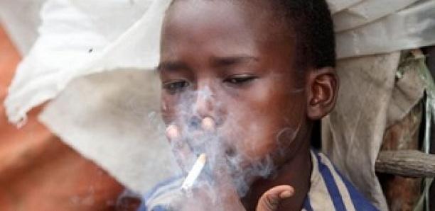 L'industrie du tabac vise les populations vulnérables en Afrique
