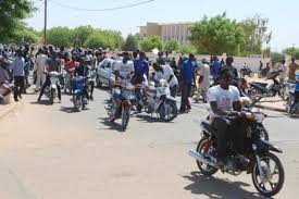 DEFAUT DE CASQUE ET DE PAPIERS: La police à l'assaut des motos