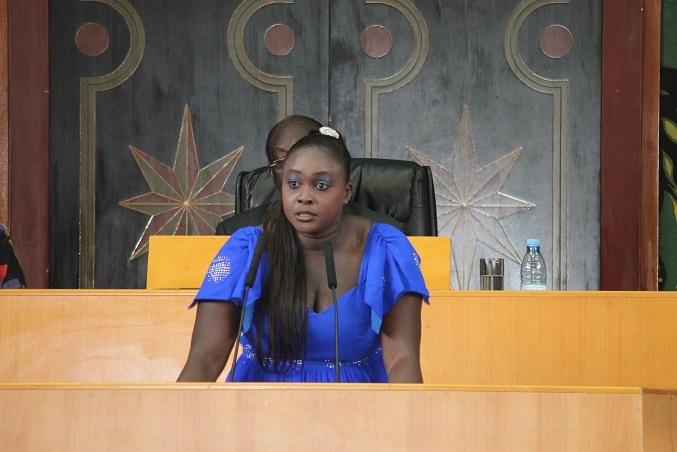 "Incroyable - Fatou Thiam attaque Sonko : ""C'est un islamiste"""