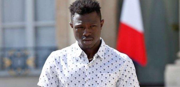 Après 7 ans de galère et le sauvetage d'un enfant, Mamoudou Gassama naturalisé français