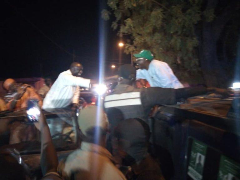 Kaffrine: poignée de main entre Idrissa Seck et Issa Sall