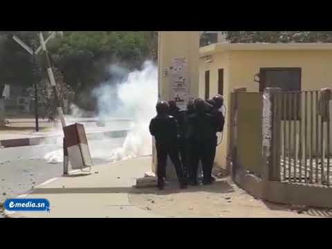 Affrontements entre étudiants et forces de l'ordre à l'Ucad après les résultats