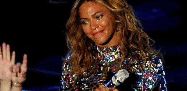 """Beyoncé malade : pourquoi sa 2ème grossesse était """"très difficile"""" et """"inattendue"""" ?"""