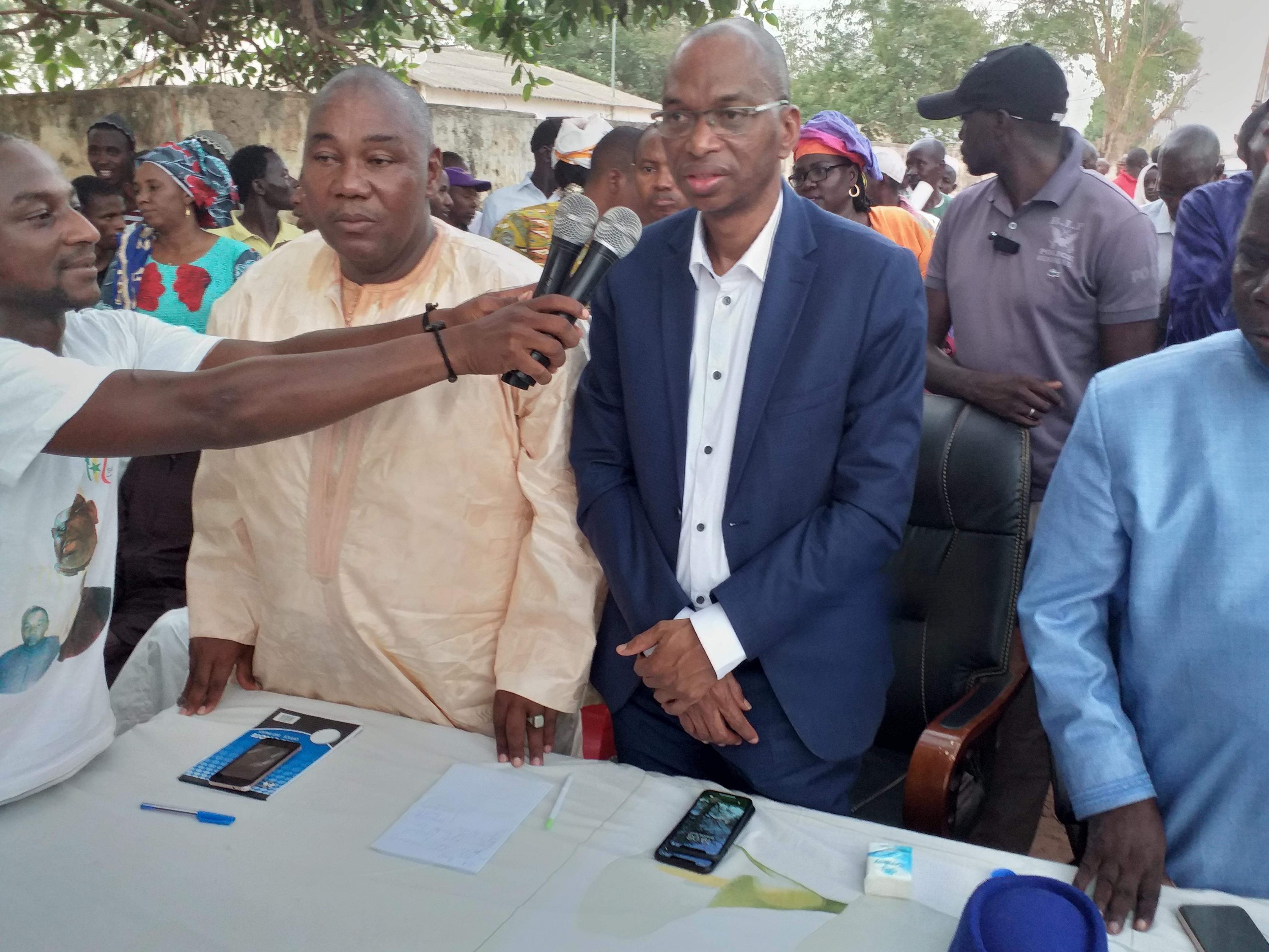 Meeting de ralliement à médina yoro foula. BASSIROU BARRY quitte le Bokk guiss guiss de Pape Diop pour rallier l'Alliance Pour la République(APR)