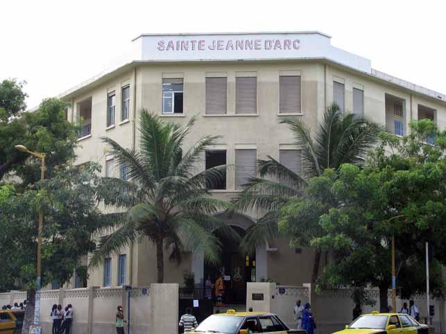 Affaire ISJA : Les cours Sainte Marie de Hann refusent de recevoir les 22 filles voilées de Jeanne D'arc