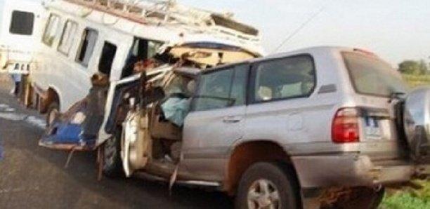 Coki : Une collision entre un bus et un car Ndiaga Ndiaye fait 01 mort