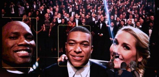 Ballon d'or : Drogba prend un selfie avec Mbappé pour payer une «dette» vieille de 10 ans