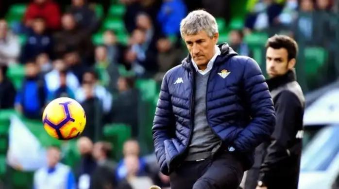 Officiel : Le FC Barcelone licencie Ernesto Valverde et annonce l'arrivée de Quique Setien.
