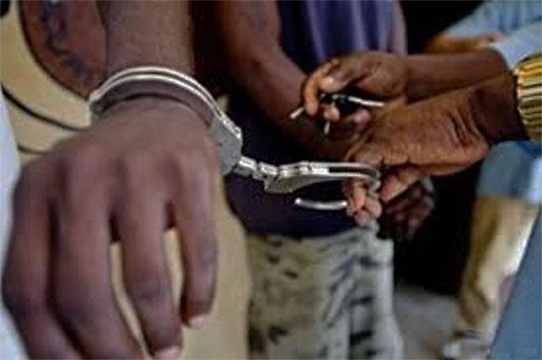 Pour avoir volé un sac de jujubes: Un tailleur prend 3 mois de prison ferme