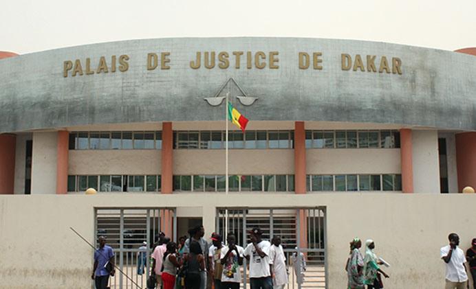 FABRICATION DE FAUX DOCUMENTS : UN NIGÉRIEN ET SA FEMME JUGÉS À DAKAR