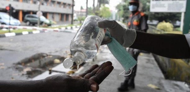 Business du Covid-19 : Saisie de 2000 litres de faux désinfectant, 6 arrestations