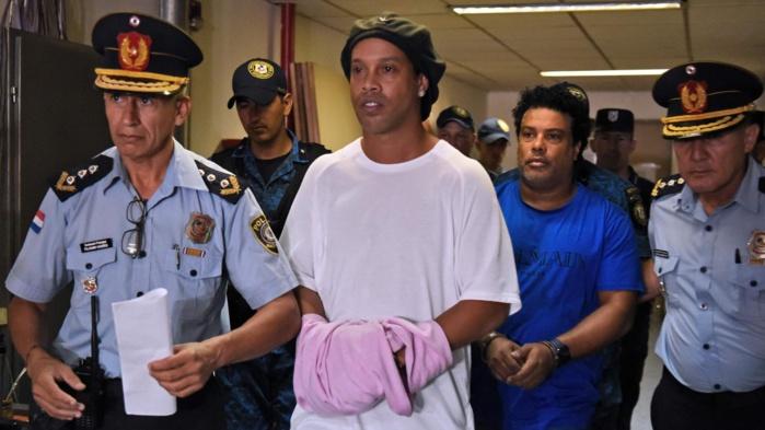 Paraguay : Ronaldinho libéré de prison et placé sous résidence surveillée ´.