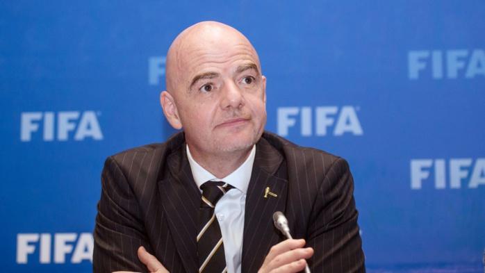 Le patron de la Fifa Gianni Infantino ciblé par une enquête en Suisse.
