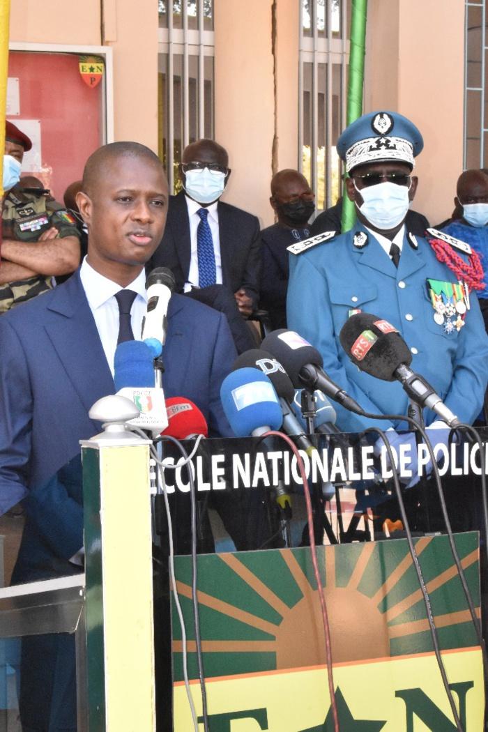 Installation nouveau DG de la Police / Antoine Félix Diome au Commissaire Seydou Bocar Yague : « Le président de la République veut un pays sûr »