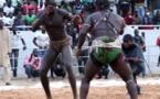 Le mari de Ndéye Gueye, Papa Boy Djiné, mord la poussière devant Papa Yade