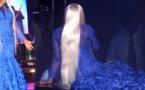 L'entrée spectaculaire de TITI au grand théâtre dans une magnifique robe