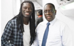 Bafétimbi Gomis a voyagé avec le Président Macky Sall à bord d'un vol Air Sénégal