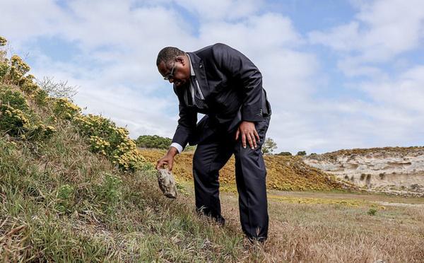 """Apartheid : La capacité de pardon de Nelson Mandela est """"une leçon de vie"""", selon Macky Sall"""