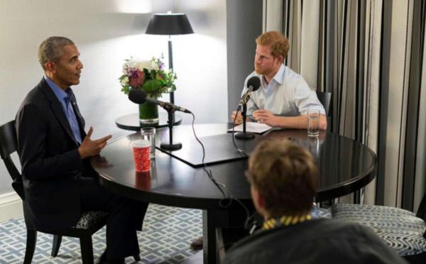 Le prince Harry interviewe Barack Obama… et son père