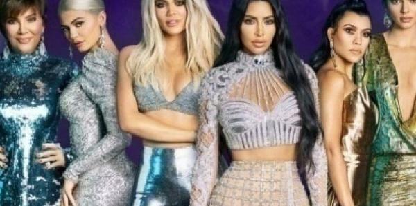Kim Kardashian demande le divorce d'avec Kanye West